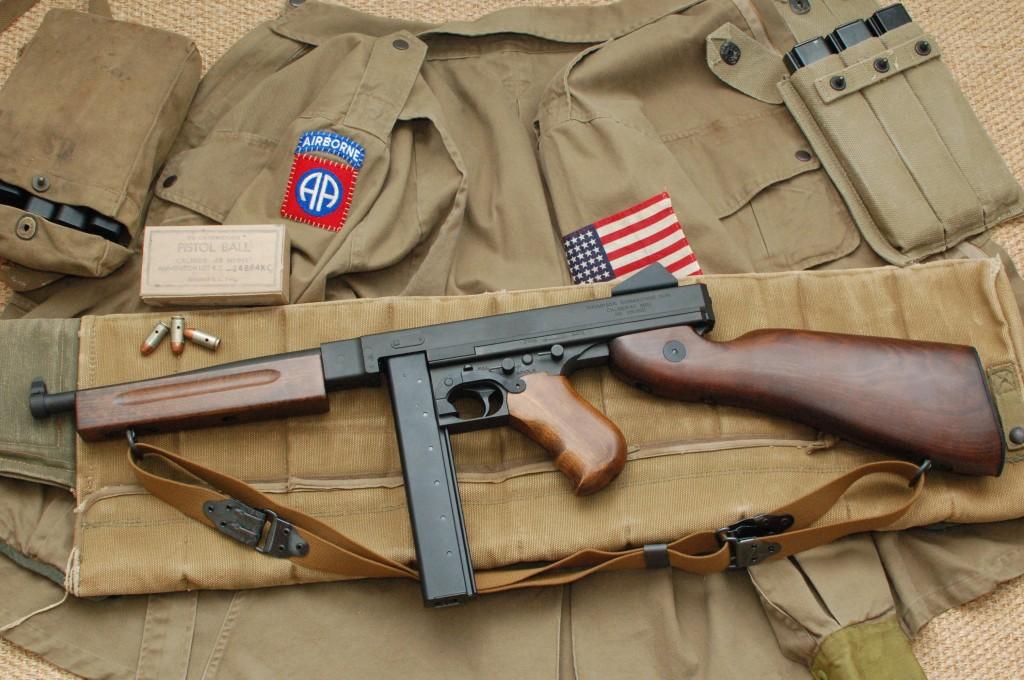 ka-thompson-m1a1-left-side - Paratrooper be